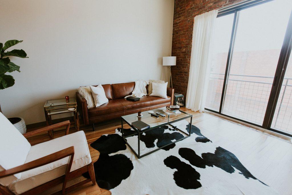 Cosmopolitan Vibe| Living Room Design Ideas