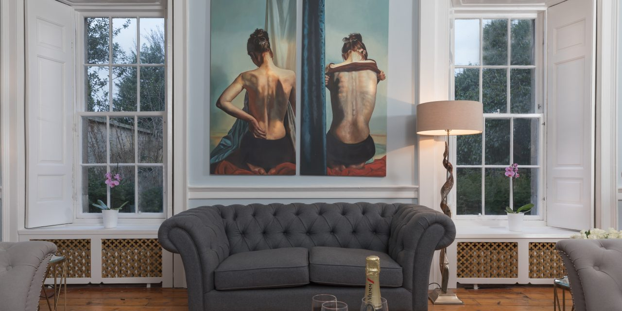 Cosmopolitan Vibe | Living Room Design Ideas